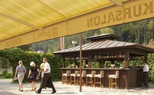 Vonkajší bar v Kursalone