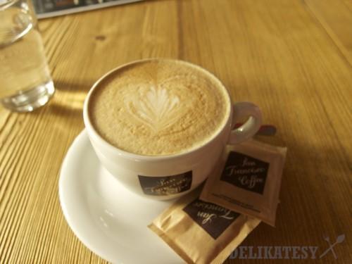 Cappuccino aj s latte art