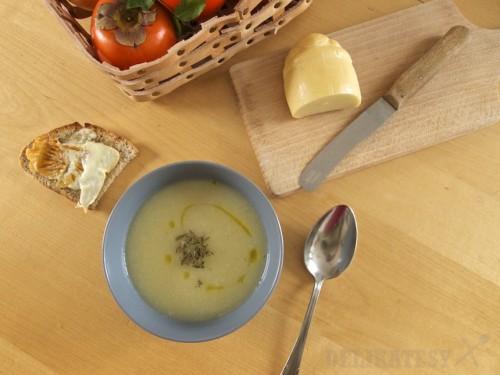 Petržlenová polievka s tymiánom
