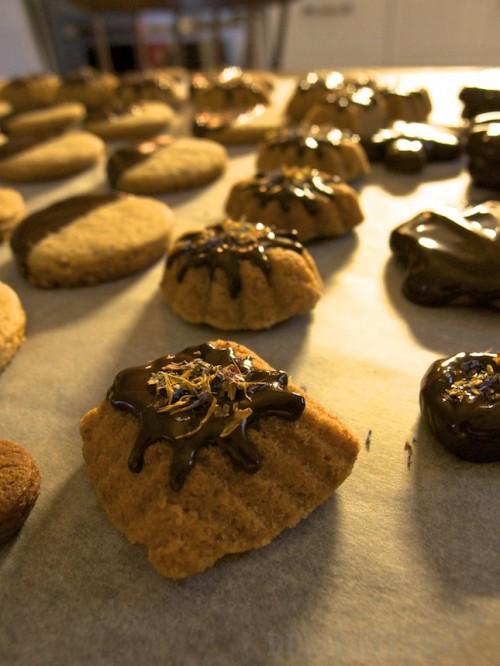Sušienky z pomarančovej kôry obalené v čokoláde