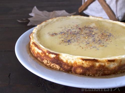 Cheesecake s kozím syrom a kamilkovým sirupom