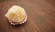 Hotová gulička zo sušeného ovocia