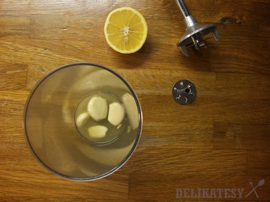 Cesnak a citrónová šťava sú základ