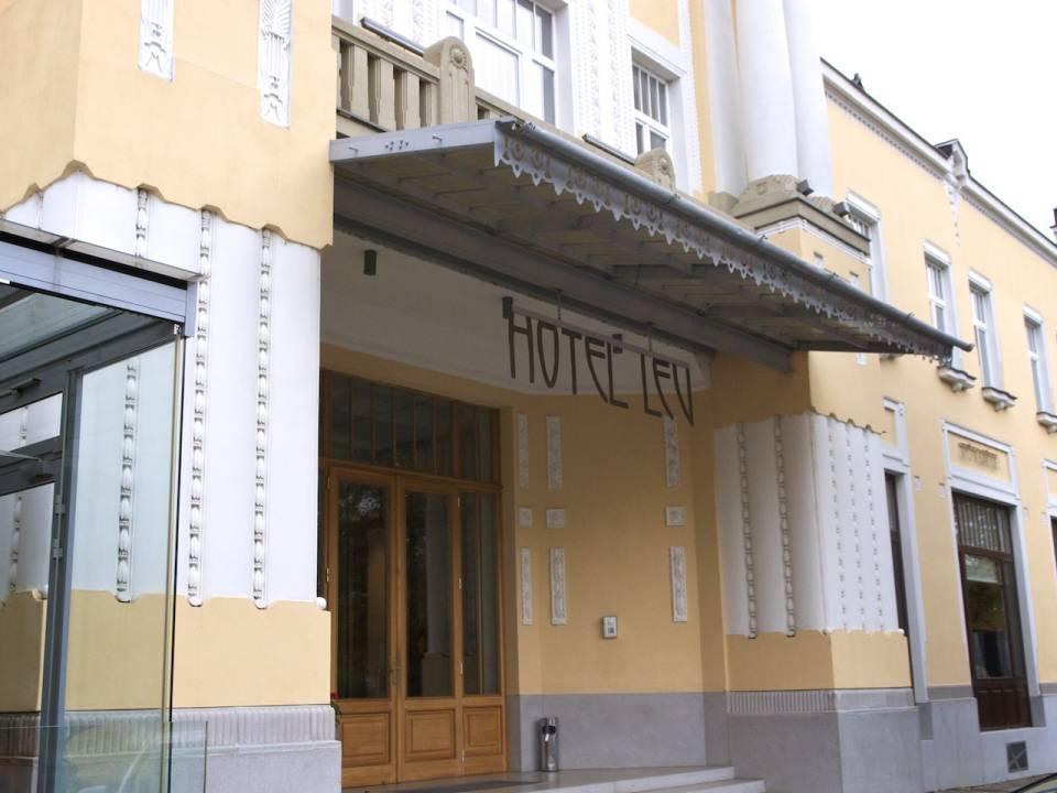 Vchod do Hotela Lev